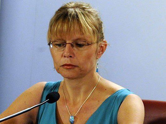 Beatrix Karl äußerte sich zu den Missständen im Jugendstrafvollzug - nun gibt es Widerspruch