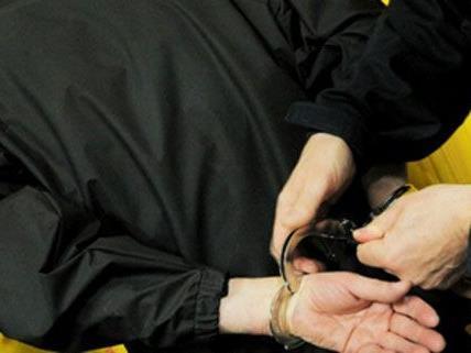 Für einen Bankräuber klickten in Simmering die Handschellen