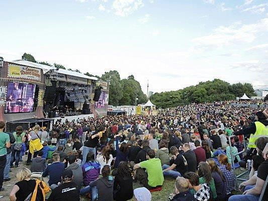 Das is die FM4/Planet.tt-Bühne am DIF 2013