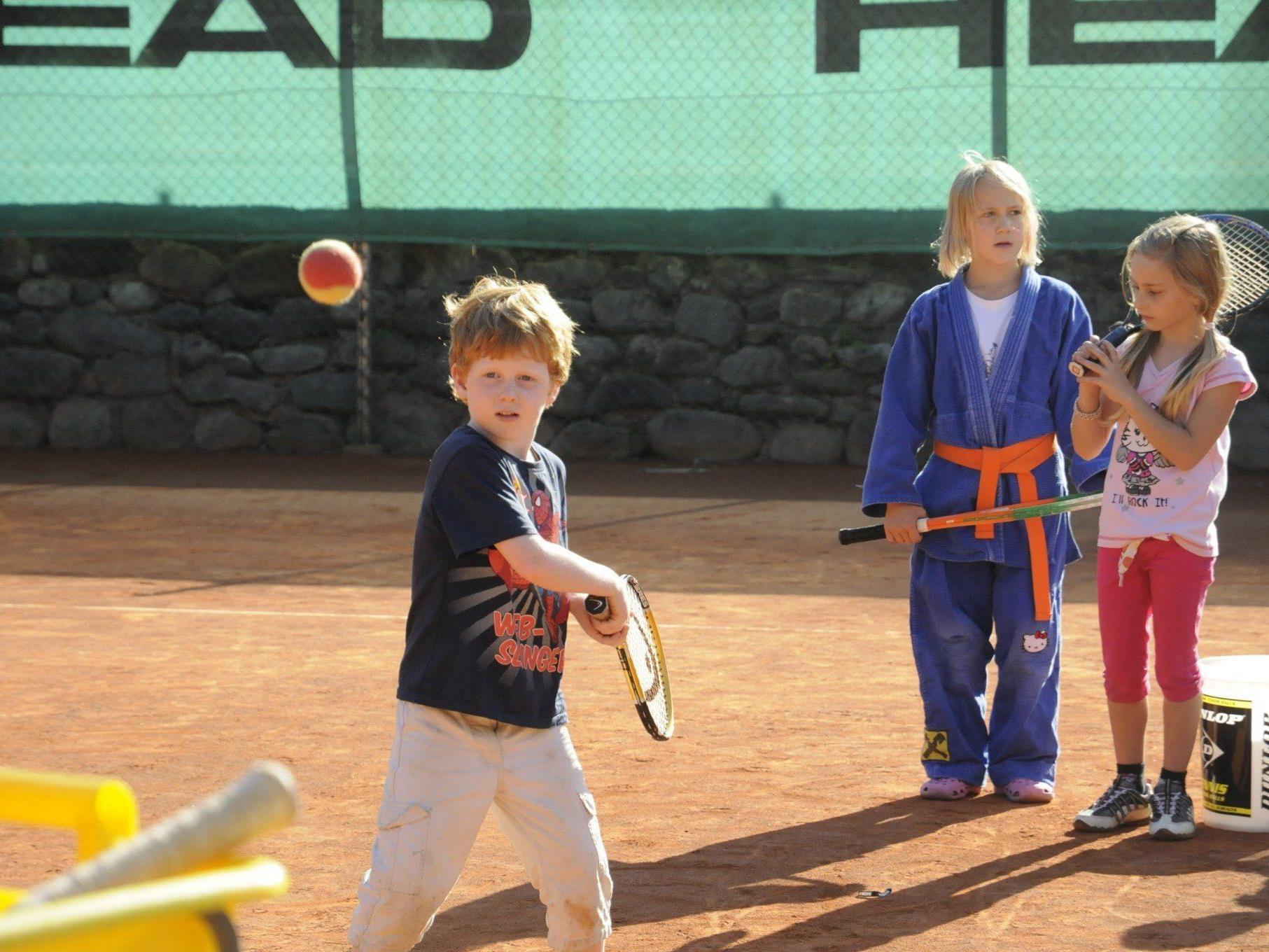 Die kleinen Besucher können beim Familiensporttag sämtliche Sportarten, die in Dornbirn angeboten werden, ausprobieren.