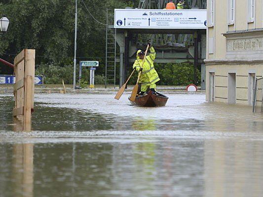 Hochwasser: Für viele gibt es kaum eine Chance, zur Arbeit zu gelangen