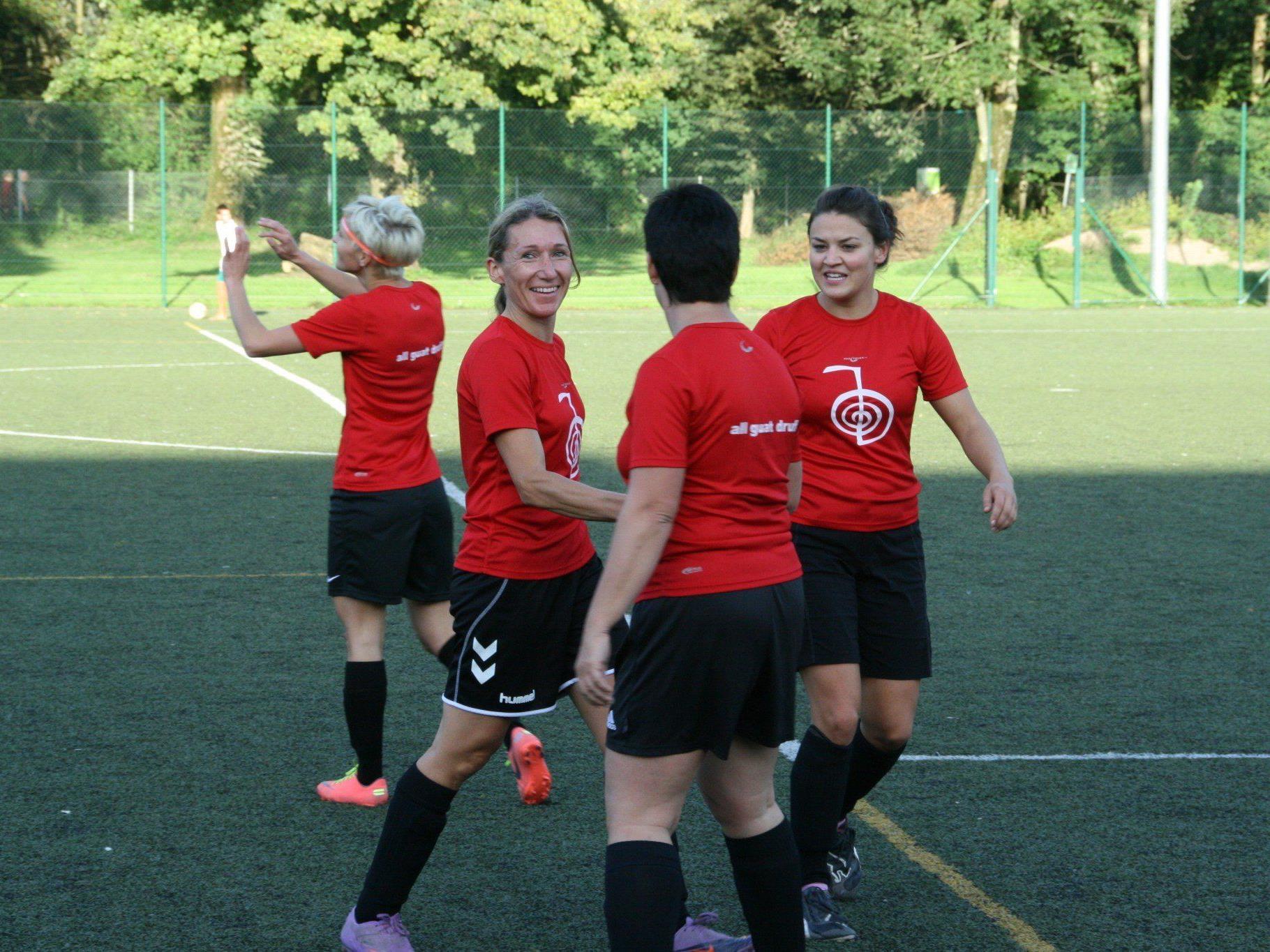 Spaß steht beim Damenfußballturnier am 13. Juli im Vordergrund.