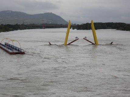 Hochwasser in Wien: Alberner Hafen steht kurz vor Überschwemmung