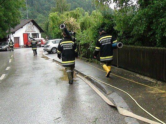 Die Feuerwehr beim Einsatz im Bezirk Melk