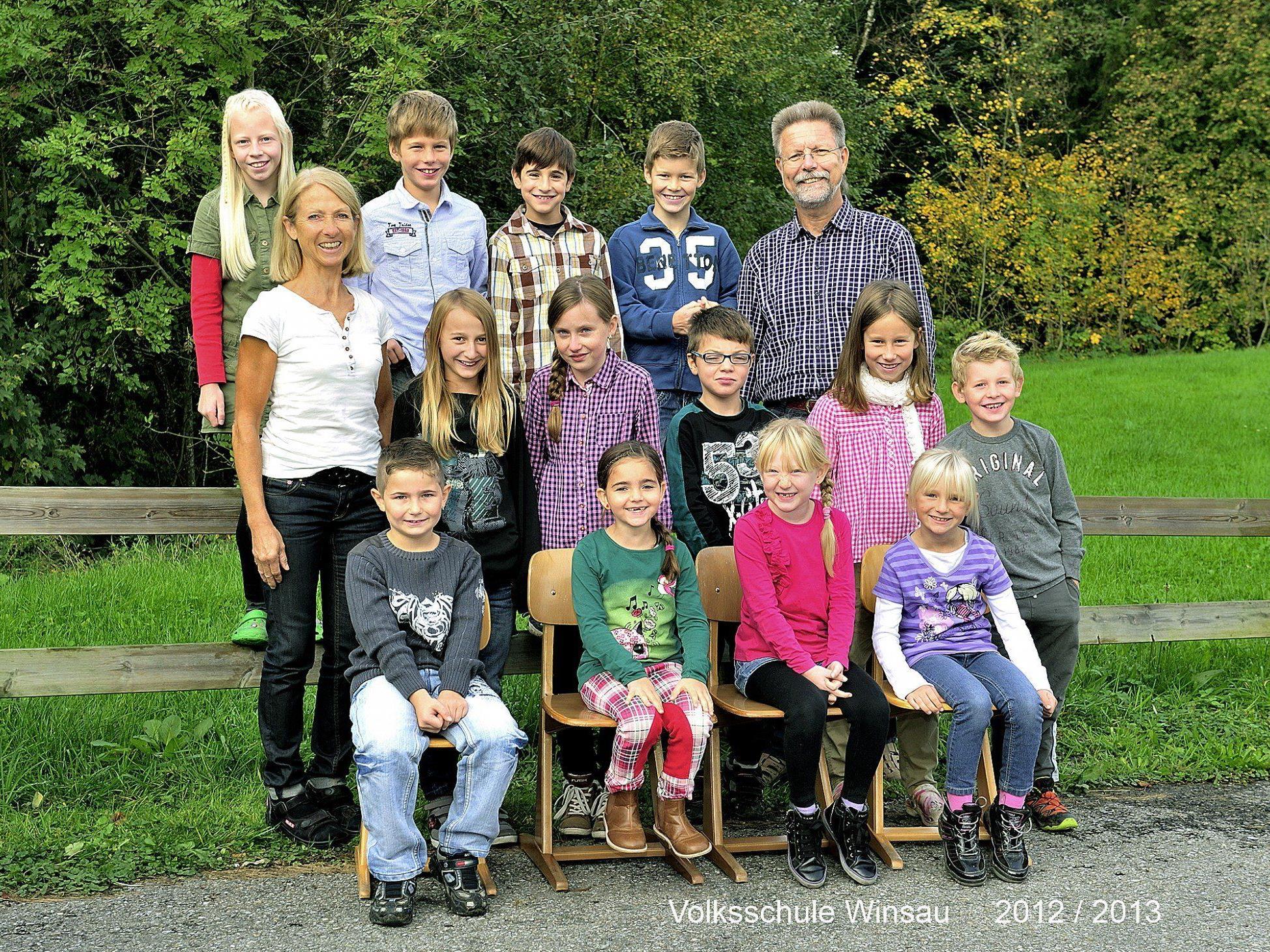 Die Schüler und Lehrer der VS Winsau.
