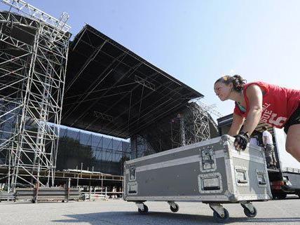 Alle Bühnen sind aufgebaut. am Freitag startet das Donauinselfest.