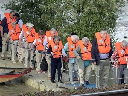 Das Kreuzfahrtschiff wurde am Donnerstagabend evakuiert.