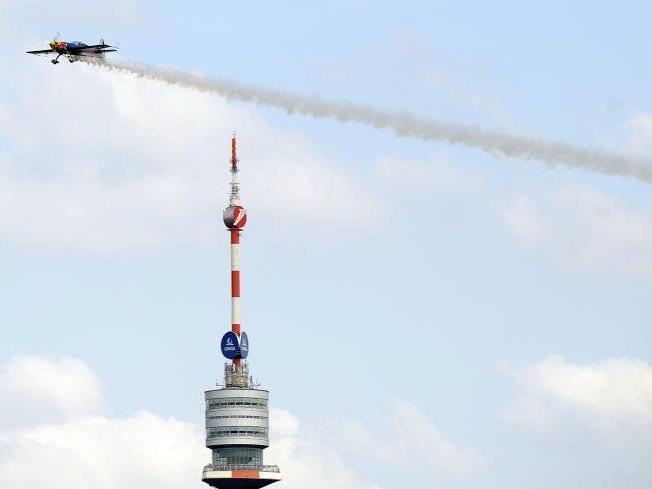 Eine Flugshow und vieles mehr wurden am Samstag am DIF geboten.