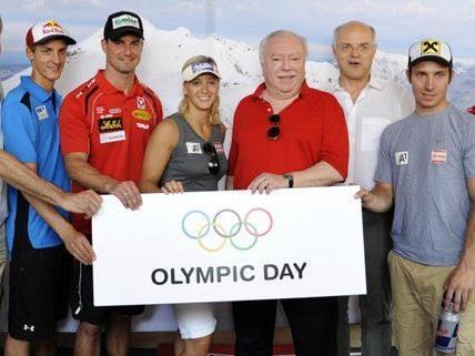 Im Rahmen des Olympic Day waren auch die Wintersport-Stars am DIF vertreten.