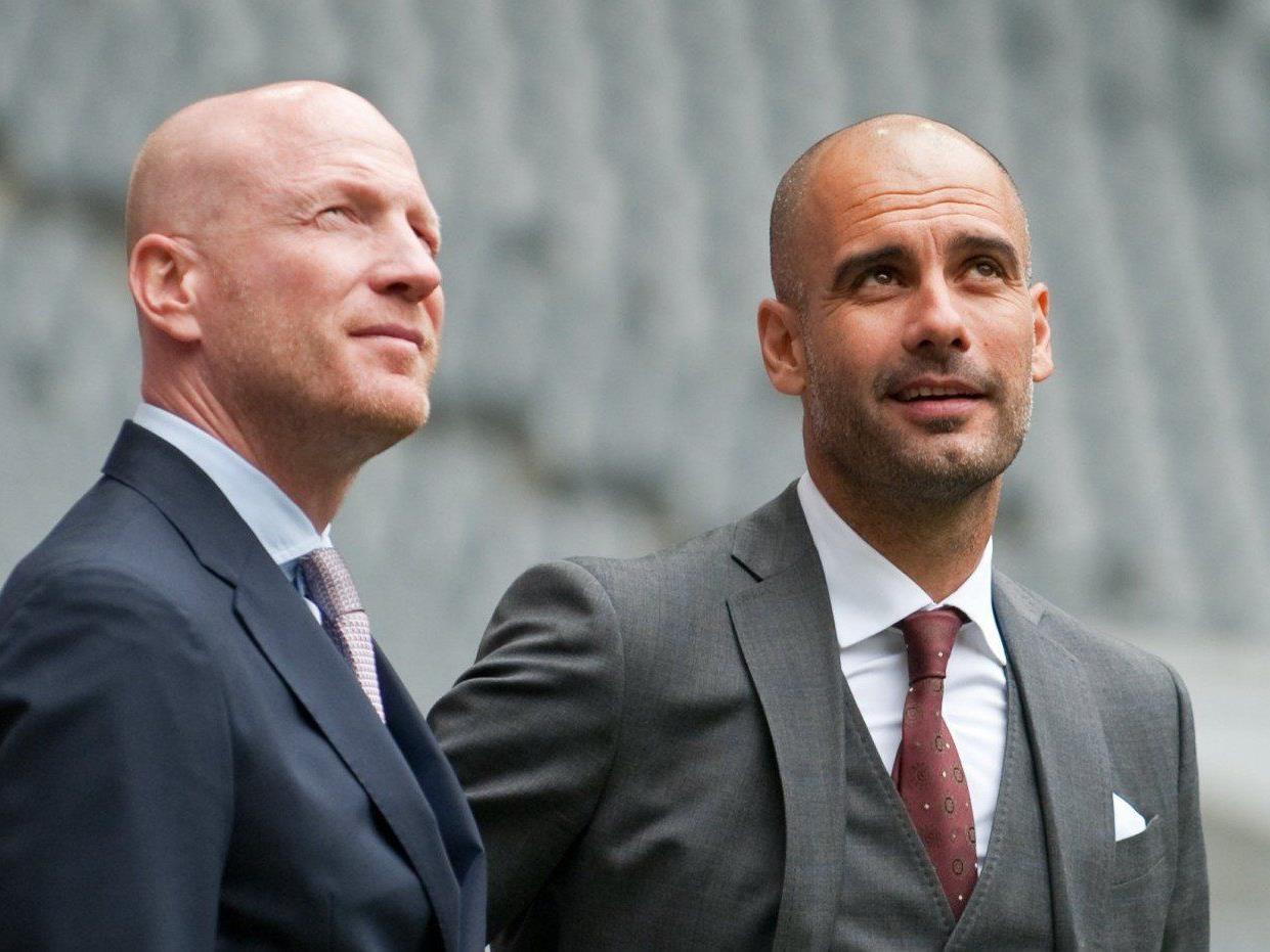 Bayerns Sportdirektor Matthias Sammer (l.) und Pep Guardiola in der Allianz Arena.