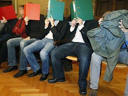 Insgesamt landeten 85 Rapid Fans nach den Ausschreitungen 2009 vor Gericht