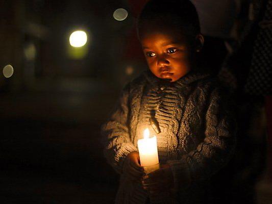 Südafrikaner beten für Mandela