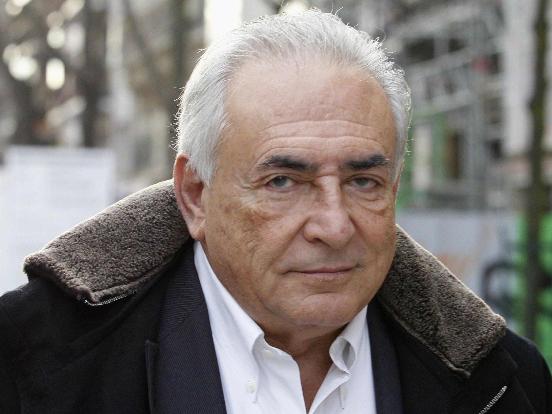 """Dominique Strauss-Kahn wurde wegen """"bandenmäßiger Zuhälterei"""" angeklagt."""