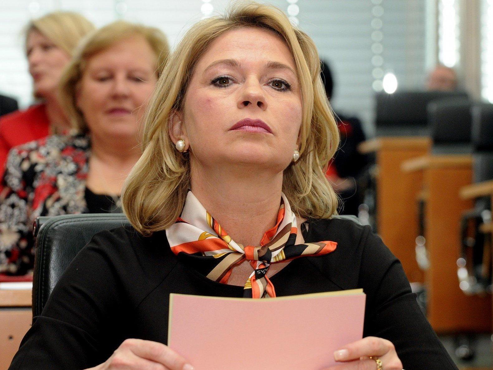 Stronach-Abgeordneter Elisabeth Kaufmann-Bruckberger während einer Sitzung des Landtages.