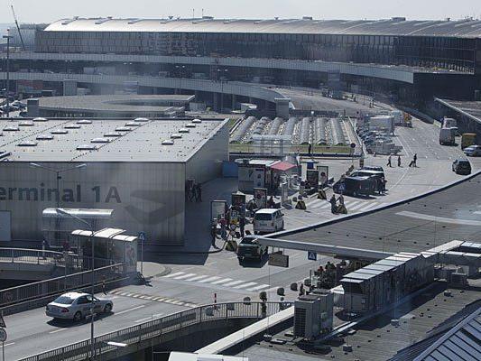 Am flughafen Wien fielen Schüsse
