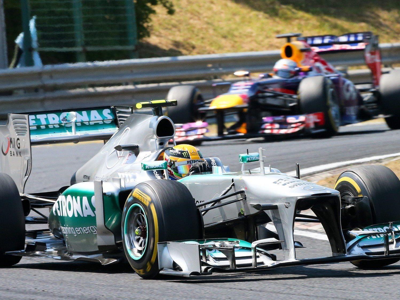 Lewis Hamilton feiert in Ungarn seinen ersten GP-Sieg für Mercedes.