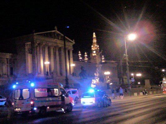Vor dem Parlament kam es zu einem Unfall