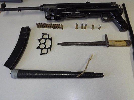 Diese Waffen wurden bei dem 49-Jährigen entdeckt