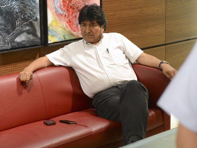 Der bolivische Präsident Evo Morales ist in Wien gelandet - ohne Snowden.