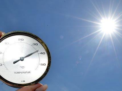 Auch am kommenden Wochenende soll es wieder heiß werden.