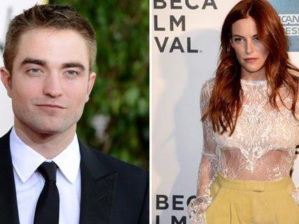 Robert Pattinson und Riley Keough lassen die Gerüchteküche brodeln.