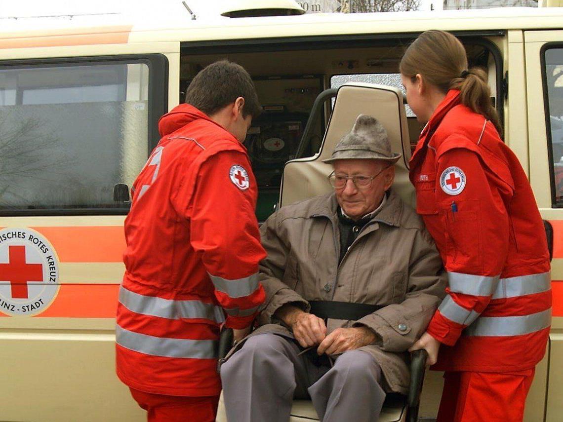 In der Steiermark müssen Patienten beim Rettungstransport nun selbst bezahlen.
