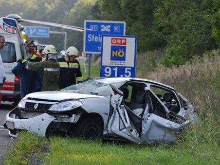 Vier Personen wurden bei dem Unfall am Samstag verletzt.