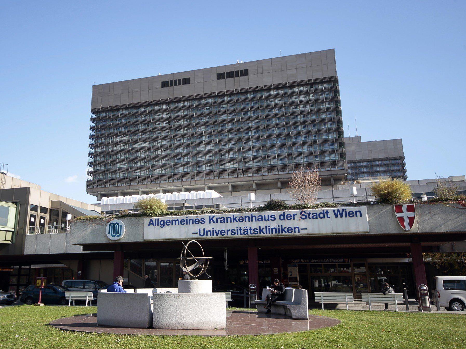 Zwischen 120 und 150 Spitäler, darunter auch das Wiener AKH, sollen Patientendaten verkauft haben.
