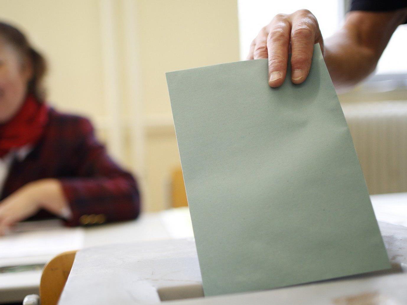 Insgesamt wurden nun zwölf Bundeslisten zur Nationalratswahl 2013 eingereicht.