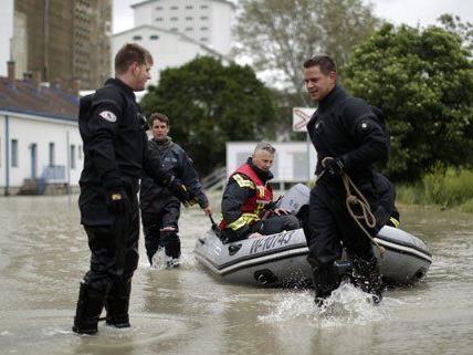 Beim Jahrhunderthochwasser im Juni 2013 fanden sich in Wien zahlreiche Helfer.