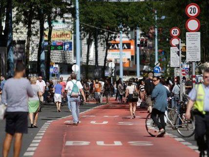 Unternehmer auf und neben der Mariahilfer Straße klagen über deutliche Umsatzrückgänge.