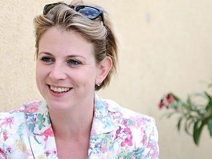 Beate Meinl-Reisinger, die Spitzenkandidatin der NEOS, beim Interview mit Vienna Online