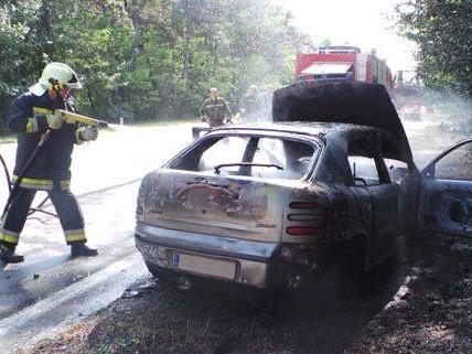 Am Mittwochnachmittag ist es auf der B17 zu einem Fahrzeugbrand gekommen.