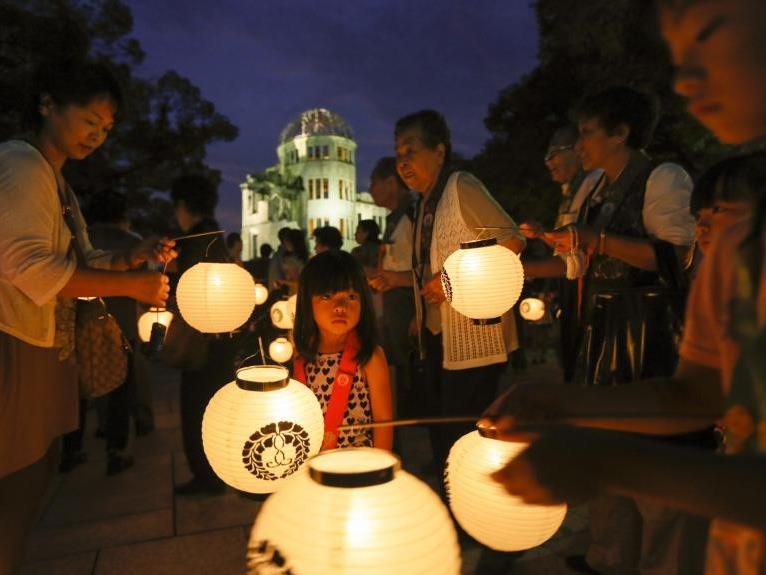 Jährlich am 6. August wird dem Atombomben-Abwurf in Hiroshima gedacht.