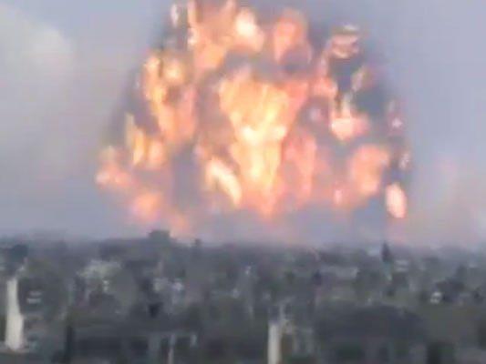 Feuerball ragte mehrere Hunderte Meter in den Himmel.