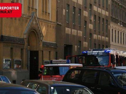 In Wien-Favoriten geriet ein Zimmer einer Ordensschwester in Vollbrand.