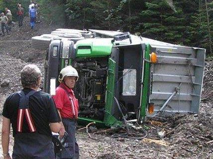 Der Lenker bliebt bei dem Unfall in Niederösterreich unverletzt.