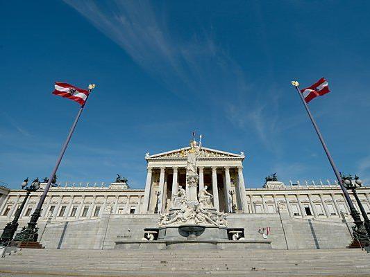 Viele Österreicher scheinen sich eine Dreierkoalition im Parlament zu wünschen.