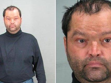 Die Polizei geht davon aus, dass dieser Mann sich Zutritt zu weiteren Wohnungen verschafft hat.