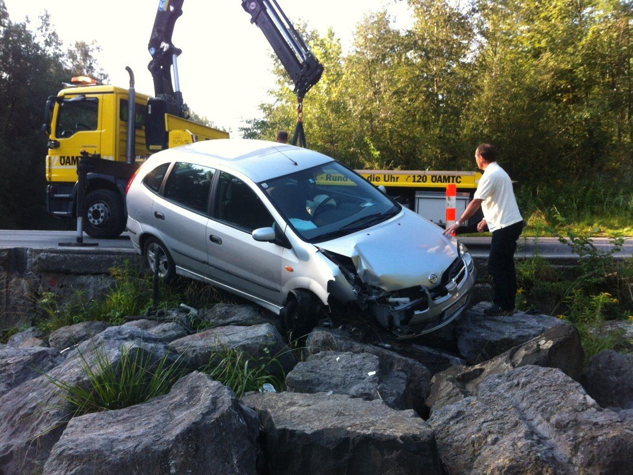 Selbst verschuldeter Unfall an der Furt in Dornbirn.