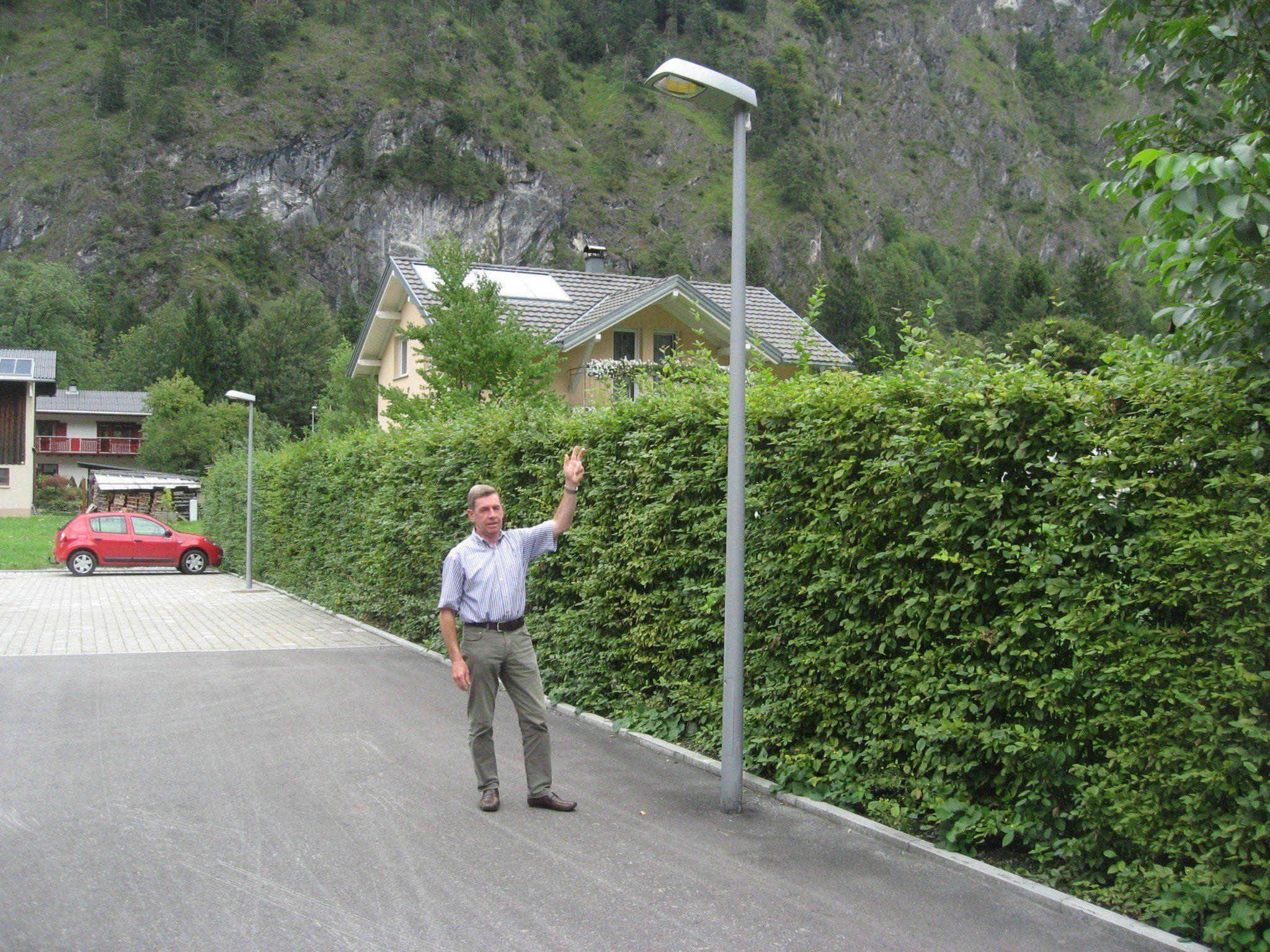 Bgm. Lothar Ladner setzt auf die modernen LED Leuchtkörper