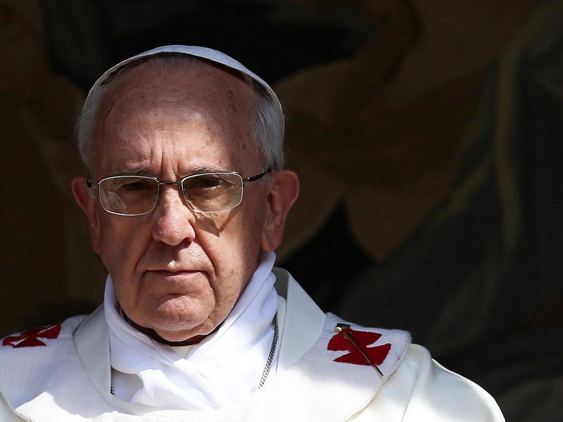 Papst Franziskus warnt vor einem militärischen Eingreifen in den syrischen Bürgerkrieg.