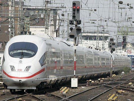 Der ICe konnte in der NAcht nicht zwischen Regensburg und Wien fahren