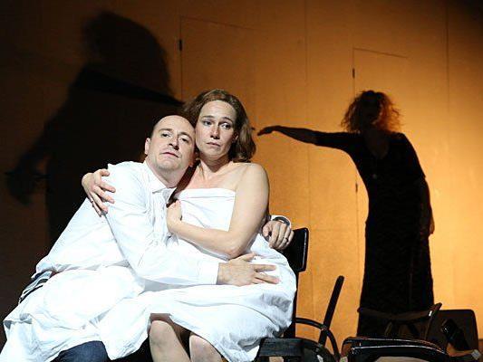 """Hanna Binder und Patrick O. Beck während einer Probe des Hans Fallada Stücks """"Kleiner Mann - was nun?"""""""