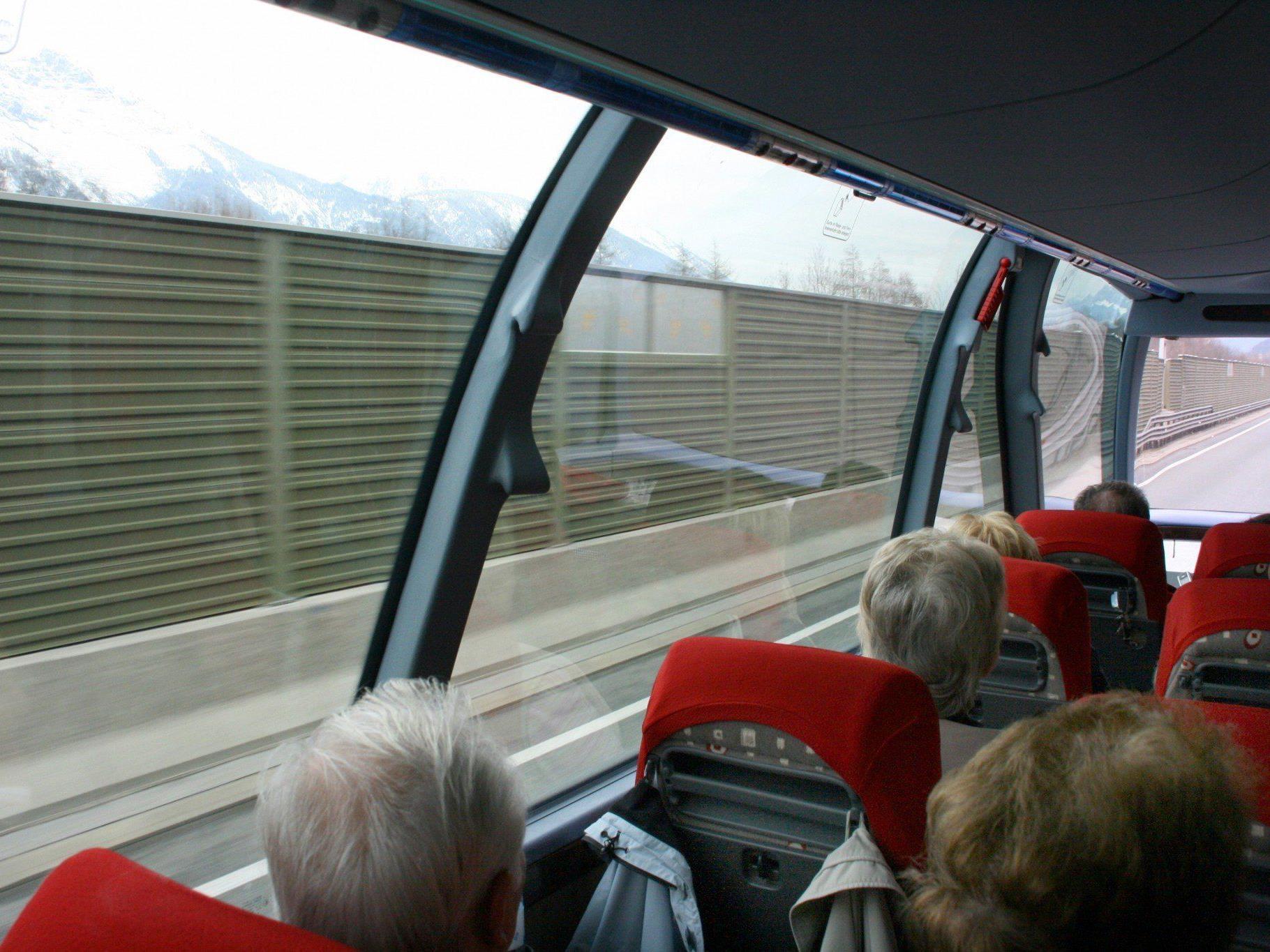 In einem Reisebus auf der A2 kam es zu einem Zwischenfall