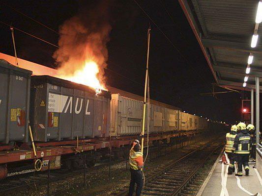 In Tulln begann ein Zug am Bahnhof zu brennen