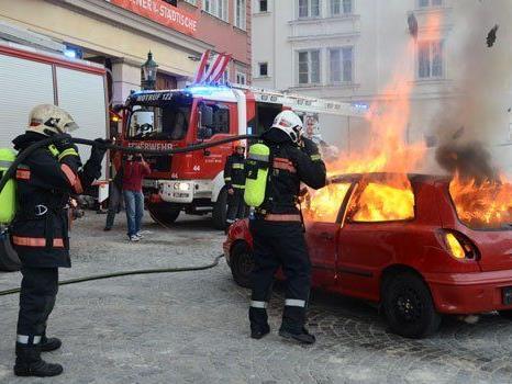 Beim Feuerwehrfest in Wien geht es heiß her.