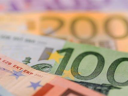 """Gefälschte Banknoten: Ein Ehepaar aus Wien wurde scheinbar Opfer eines """"Rip-Deals""""."""