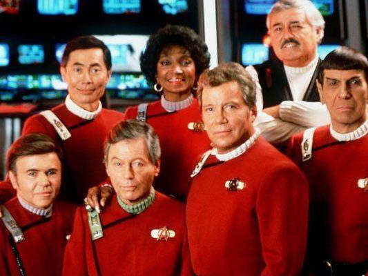 """Die Crew der """"Starship Enterprise"""" im Jahr 1999."""