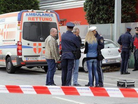 Die Ermittlungen nach dem tödlichen CO-Unfall in Wien dauern an.
